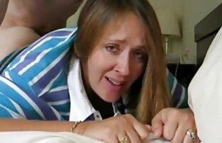 As Lésbicas do ioga fodem-se umas vidio pornol às outras enquanto o operador de câmara os toca!