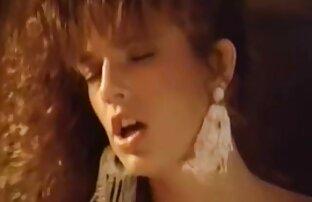 Avozinha inglesa Elle lubes os melhores videos de sexo gratis up her matured fanny