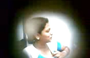 A video de ponografia MILF gorducha come a boca e a Cona é fodida por uma Picha jovem.