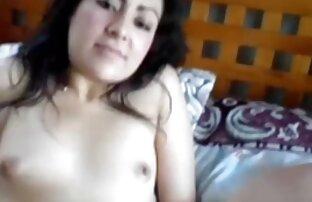Miúda loira com tatuagens a apreciar masturbação vidios porno sambaporno em meias nuas