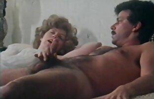 Morena Sexy vido de pornu toma um banho e brinca com h