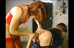Ruiva bbw x vidio pornor milf Roxee Robinson faz um striptease lento