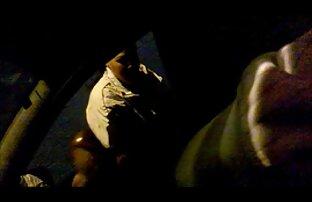 Uma miúda gira masturba-se vidio pornor brasileiro sentada numa cadeira